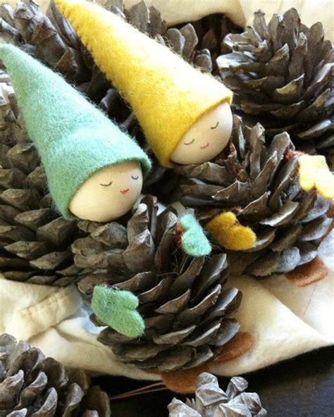 basteln mit tannenzapfen weihnachten basteln mit tannenzapfen 50 diy ideen tannenzapfen