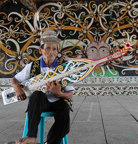 Alat musik talempong yang berasal dari sumatera barat. Alat Musik Tradisional Unik Di Indonesia - Redaksindonesia