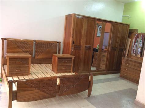 chambre en bois emejing chambre a coucher en bois massif moderne photos