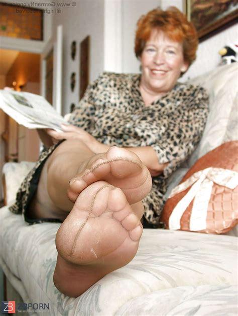 Mature Nylons Feet Zb Porn