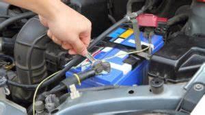 Autobatterie Wechseln Anleitung : autobatterie wechseln einfache praktische anleitung 2020 ~ Watch28wear.com Haus und Dekorationen