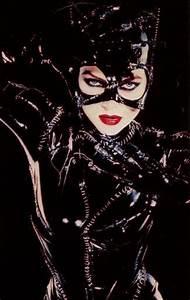 5 Aktris Seksi Dengan Kostum Catwoman