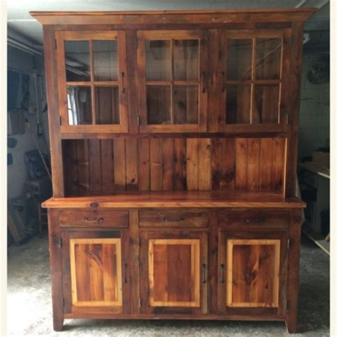 white yellow pine rustic hutch furniture   barn