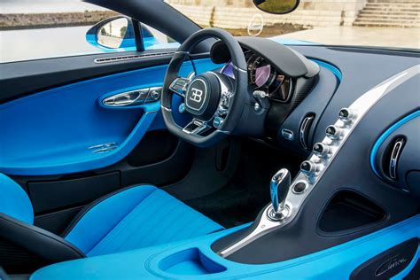Unique bugatti la voiture noire pays tribute to the iconic atlantic in geneva pictures, photos, wallpapers. Magie noire : ce qui permet vraiment à la Bugatti Chiron d'atteindre 420 km/h - Motor Trend Canada