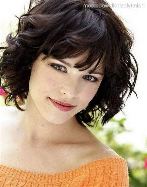 15 photo of short hairstyles for chubby faces