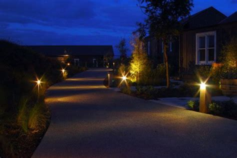 drive way lights driveway lighting lighting solutions pinterest driveways and lighting