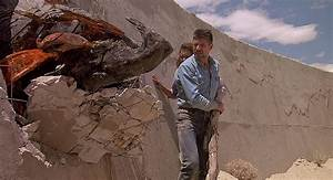 Tremors (1990) Film Summary & Movie Synopsis | MHM Podcast ...