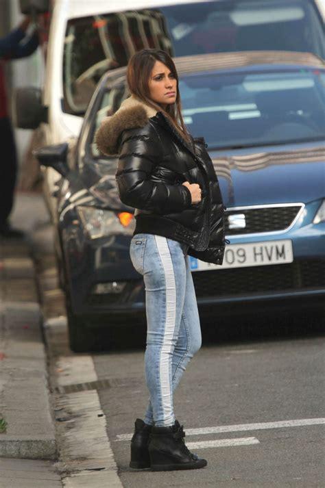 antonella roccuzzo  jeans  sawfirst