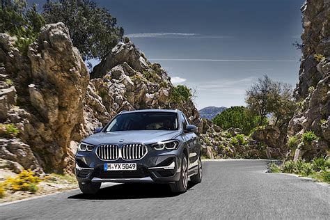 Siriusxm satellite radio is now standard, and led fog lamps are no longer part of the optional convenience or premium packages. 2020 BMW X1 Review - autoevolution