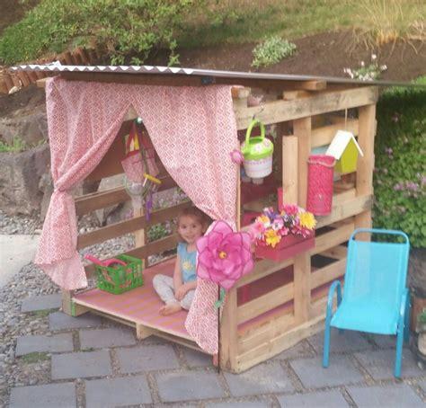 Pallet Playhouse  1d)  Pinterest  Einfaches Spielhaus