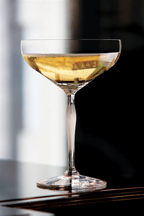 lalique crystal  points crystal champagne coupe