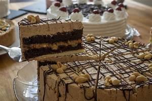 Herr Der Ringe Torte : vegane erdnuss schoko liebe snickers torte herr johann ~ Frokenaadalensverden.com Haus und Dekorationen
