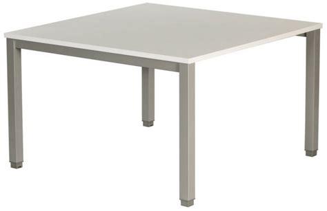 table de cuisine carree table de réunion carrée plateau blanc piétement alu