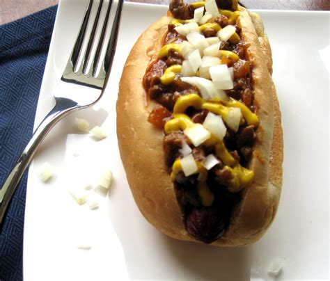 chili dogs catsue bless  lets eat