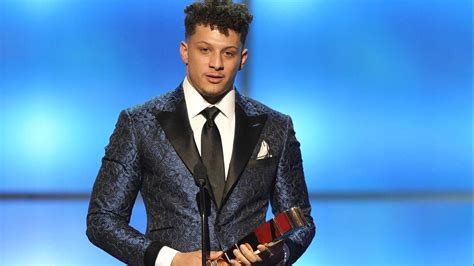 chiefs qb patrick mahomes named nfl mvp rams dt aaron