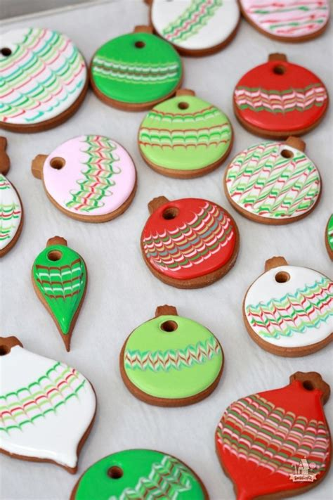 pictures of decorated christmas cookies using royal icing baking and decorating ideas sweetopia