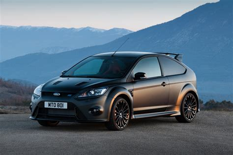 sports cars   ford focus rs hot hatches