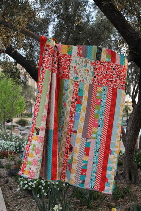 cinched jelly roll quilt favequiltscom