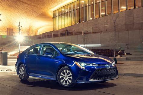 ROAD TEST: 2021 Toyota Corolla Hybrid - Car Help Canada