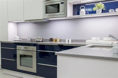 prix cuisine amenagee vendue cuisine flash gris bleu brillant bernay habitat cuisine