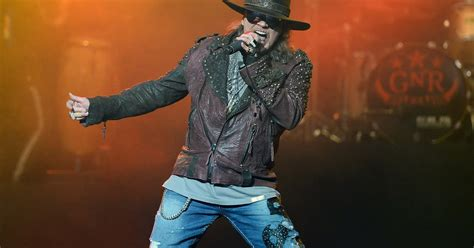 axl rose greatest singer axl rose responds to list calling him world s greatest