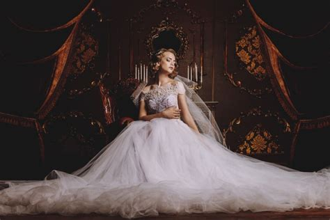 7 Tips For Choosing Luxurious Wedding Dresses