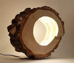 Lampe Aus Baumstamm : ein von mir selbst hergestellte lampe aus einem hohlen baumstamm mit eingefr ster spiral diy ~ Orissabook.com Haus und Dekorationen