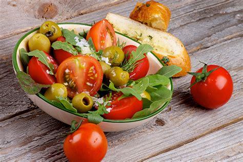 health benefits  salad    bipolar disorder