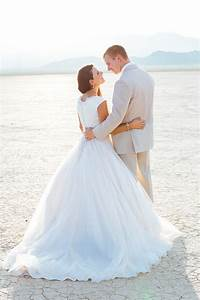 Simple desert bridal beauty from gaby j photography for Simple vegas weddings