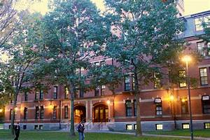 All About That Dorm Life: A Freshman Guide | Harvard College