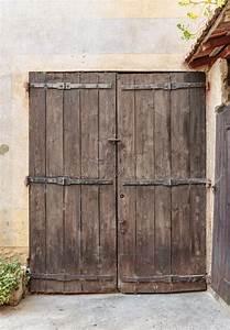 Porte Occasion Maison : vieilles portes en bois d occasion vieille porte en bois menuiserie portes en vieux bois ~ Medecine-chirurgie-esthetiques.com Avis de Voitures