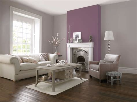 Catchy Living Rooms Designs With Purple