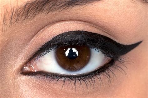 apply pencil eyeliner step  step pictures nail