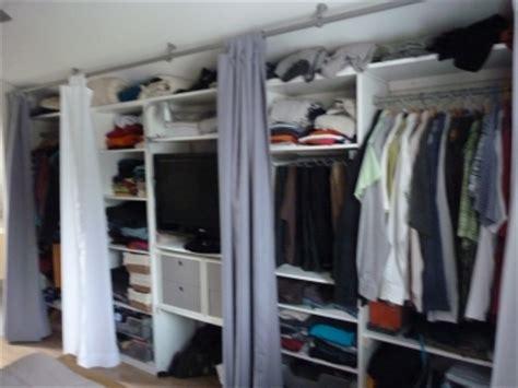 dressing ferme par un rideau d 233 coration rideaux ikea