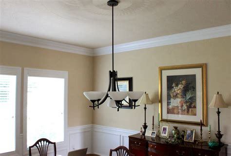 crown molding    essential part   home