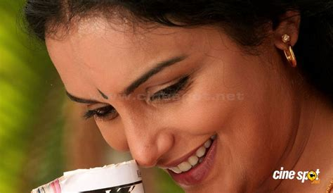 swetha menon in rathinirvedam remake 1