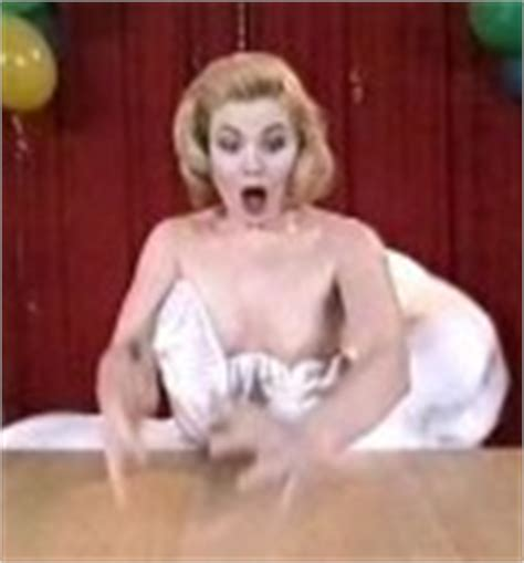 Frier nude anette Naked Annette
