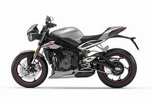 Street Triple 2017 : flat out magazine 2017 triumph street triple launched flat out magazine ~ Maxctalentgroup.com Avis de Voitures