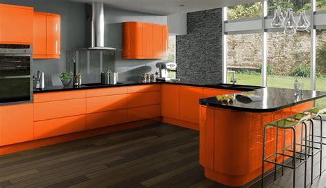 black and wood kitchen cabinets оранжевая кухня какие обои на стенах подойдут к гарнитуру 7862