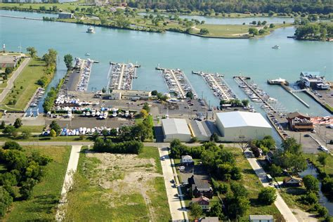 Boat Marinas In Detroit by S Detroit Yacht Harbor In Detroit Mi United States
