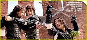 Hailee Steinfeld: First Look at 'Romeo & Juliet'! | Photo ...