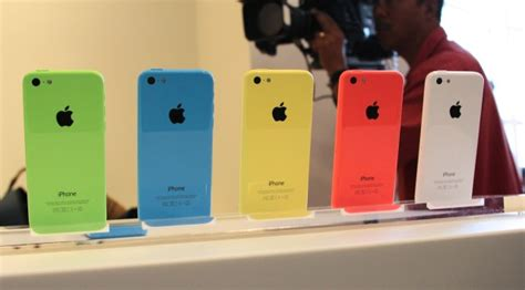 iphone 5cs iphone 5c pre orders available from apple carriers and