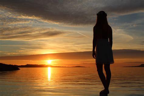 women sunset norway hd wallpapers desktop mobile images