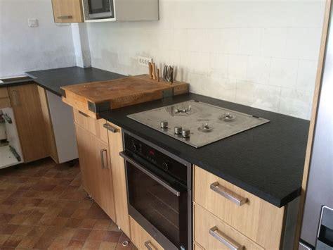 granit pour cuisine réalisation de plan de travail de cuisine en granit noir à