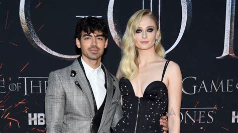 Joe Jonas and Sophie Turner married by Elvis in Vegas ...