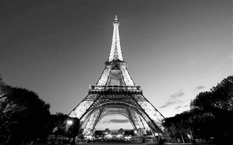 Black Wallpaper Iphone Eiffel Tower by Eiffel Tower Black And White Wallpapers Wallpaper Cave
