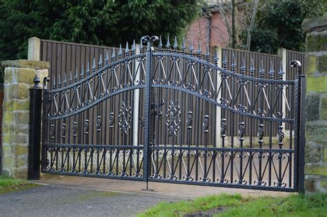 20 Best Wrought Iron Gates   AllstateLogHomes.com