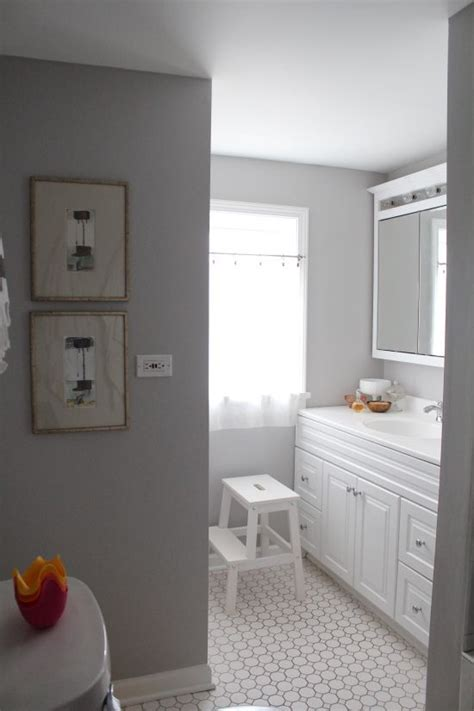 Great Bathroom Paint Colors by Dolphin Fin By Behr Paint Looks Great With Freshly