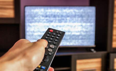 Latvijā aizliedz retranslēt deviņus Krievijas televīzijas ...