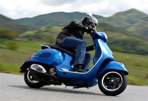 vespa 300 gts 2015 vespa gts 300 abs review ride